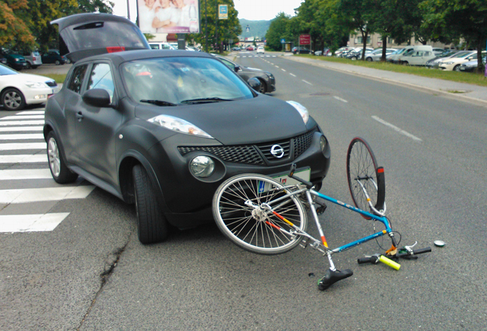 Thumb bicycle car accident sm