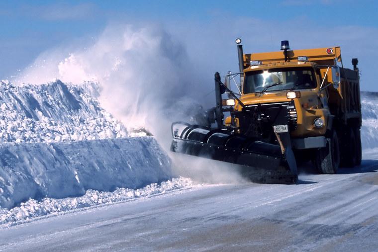 Thumb snow plow