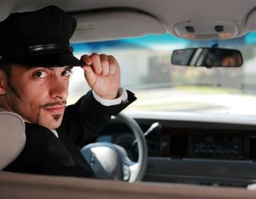 Thumb limo driver