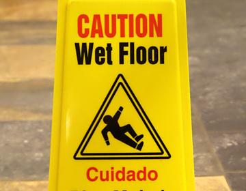 Thumb wet floor   piso mojado