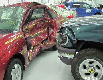 Thumb thumb ford focus versus ford explorer crash test iihs